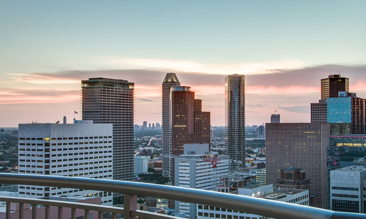 Private Balconies | One Park Place Houston Luxury Apartments